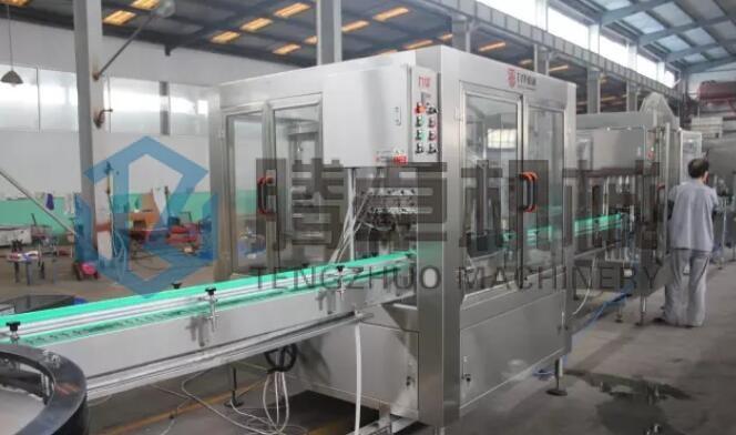 葡萄酒多瓶型灌装机生产线试机
